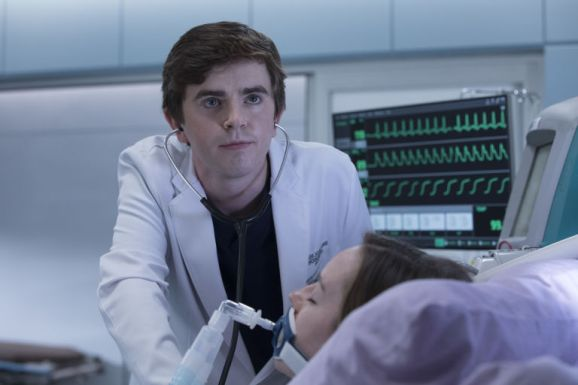 gallery-1511265288-the-good-doctor-freddie-highmore
